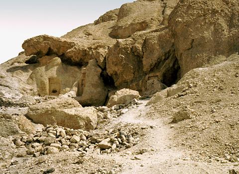 coptic-hermit-cave
