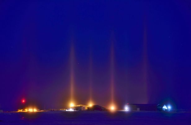 nocturnal_light_pillars
